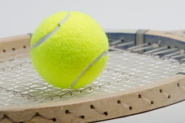 テニスボールで太もものセルライトが除去できるって本当?!【対策法を公開】