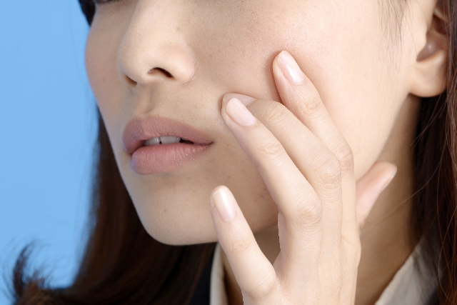 顔のセルライトを消す方法